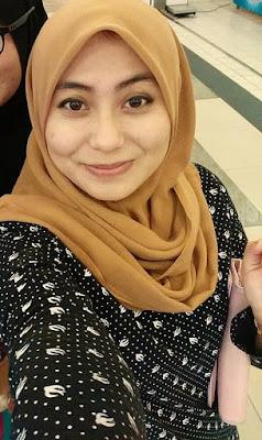 Mahasiswi berilbab Cantik Lagi Dibugilin