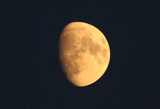 10 + 1 πράγματα που δεν ήξερες για το φεγγάρι