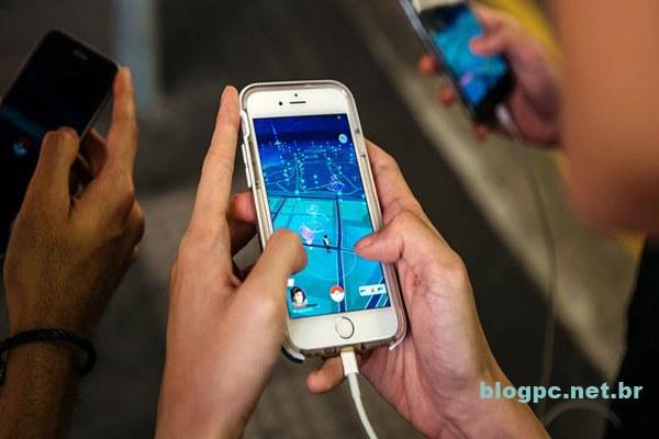Pokémon Go: game consome muita bateria do smartphone por usar sensores o tempo todo