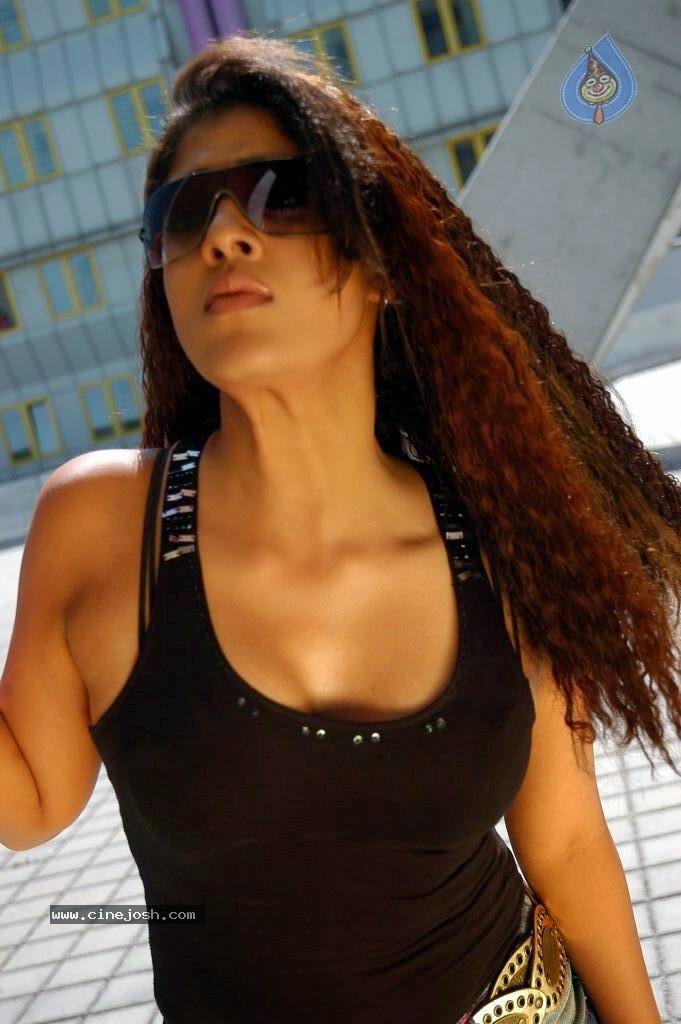 Cinemesh Nayanthara Hot In Villu  Villu Nayanthara Hot -7931