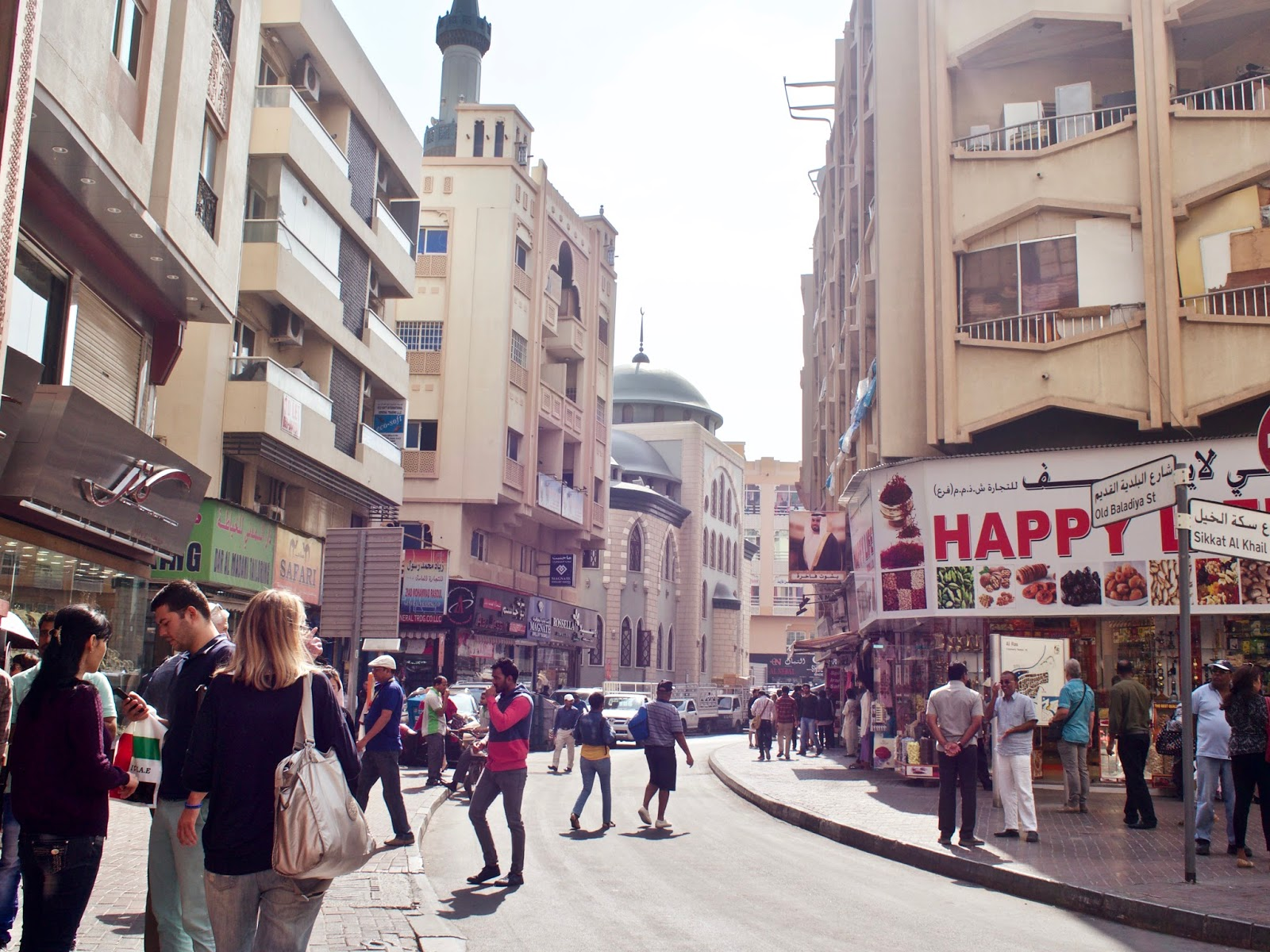 Exploring old Dubai and the Souks - Dainty Dress Diaries