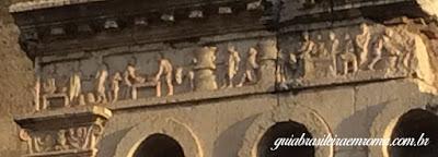 sepultura eurisace reelevo guia brasileira roma - Sepultura do padeiro Eurisace