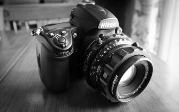 Wallpaper: Nikon with Hartblei Super-Rotator