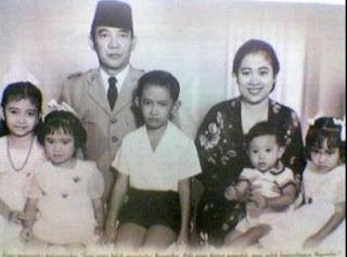 Foto Keluarga Bung Karno / Riwayat Hidup Bung Karno Catatan Adi