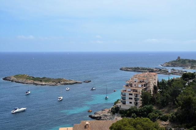 Praia de Illetas, vista do Castell de Bellver, Mallorca.