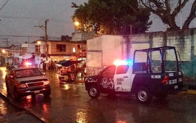 """Sicarios de """"Los Zetas"""" ejecutan a dos sujetos en Veracruz y son aventados peor que animales a la calle"""