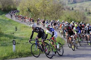 Gran Fondo curva ciclisti