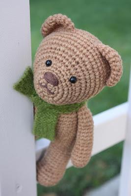 Amigurumi teddy bear pattern | Amiguroom Toys | 400x267