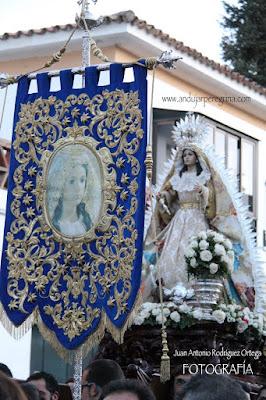 Estandarte y Virgen de la Cabeza Baeza