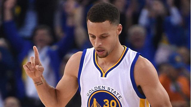 Curry hace inmortales a los Warriors y a Under Armour en la NBA