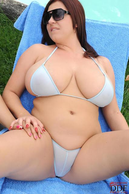 Curve Women in Bikini