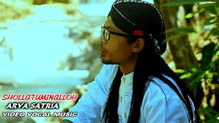 Lirik Lagu Sholatuminalloh - Arya Satria