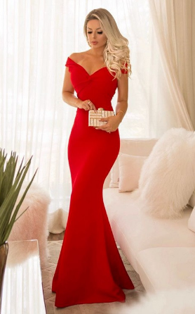 97329807c Os vestidos longos são clássicos e podem ser encontrados tanto em modelos  para o dia, quanto para festas a noite. Esse vestido vermelho por exemplo,  ...