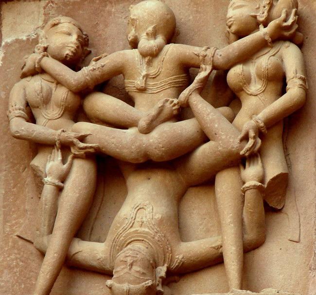 Xvlor Khajuraho is group of Hindu and Jain temples built by Chandela dynasty