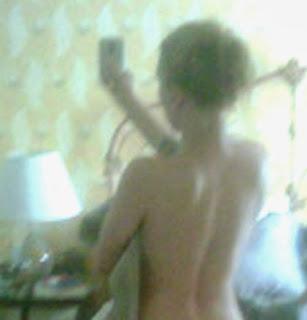 With Scarlett johansson nude selfy not present