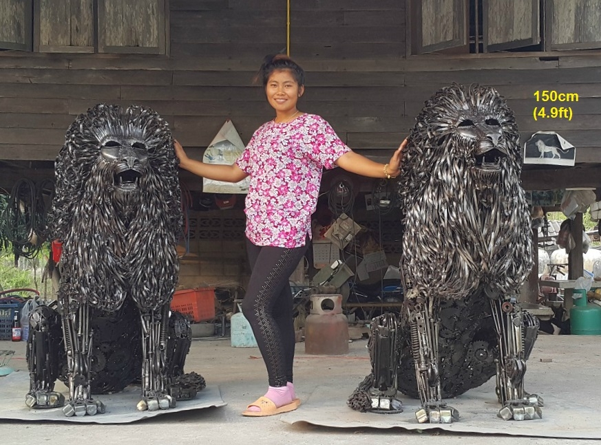 09-Sitting-Lion-Statues-Namfon-Suktawee-Animals-Art-made-by-Upcycling-Scrap-Metal-in-Thailand-www-designstack-co