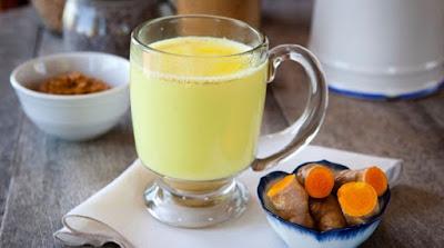 Cara Mudah Redakan Nyeri Dan Kram Haid Dengan Susu Kunyit Hangat