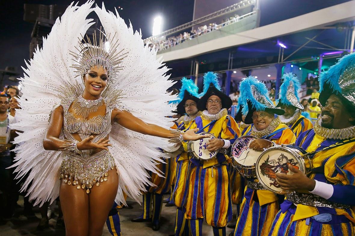 фестиваль трансвеститов в бразилии между нашими номерами