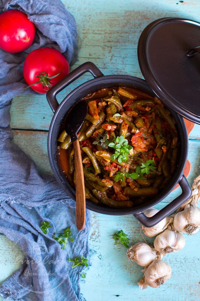 Loubieh Bi Zeit - fasolka szparagowa duszona w pomidorach