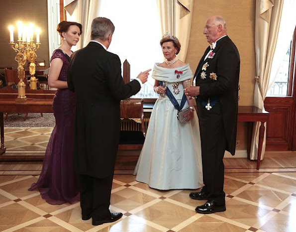 State visit of the King Harald and Queen Sonja in Finland, President Sauli Niinistö and his wife Jenni Haukio, Pearl brecelet, Pearl earrings, pearls necklace, gala dinner wore dress, gown