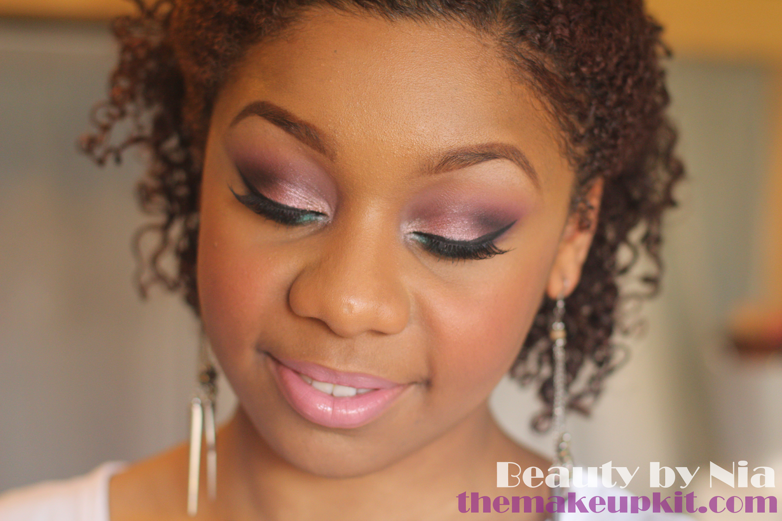 Valentine romantic pink and teal smokey eye makeup look 3