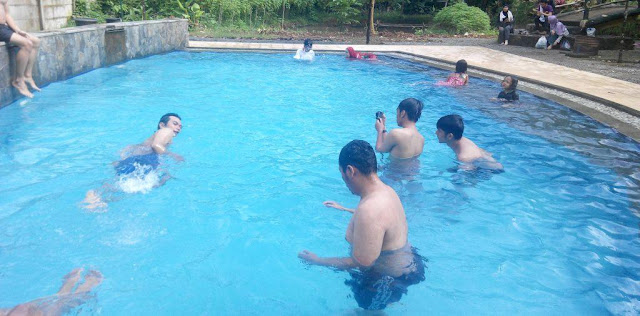 Kolam Renang Kampung Wisata Rumah Joglo Bogor