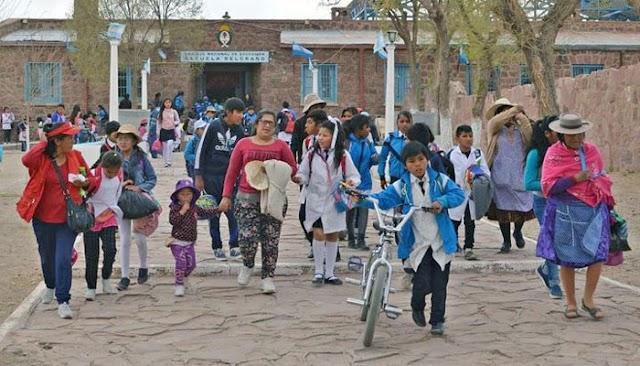 Estudiantes de La Quiaca que viven en Villazón no pueden pasar la frontera por las restricciones del coronavirus
