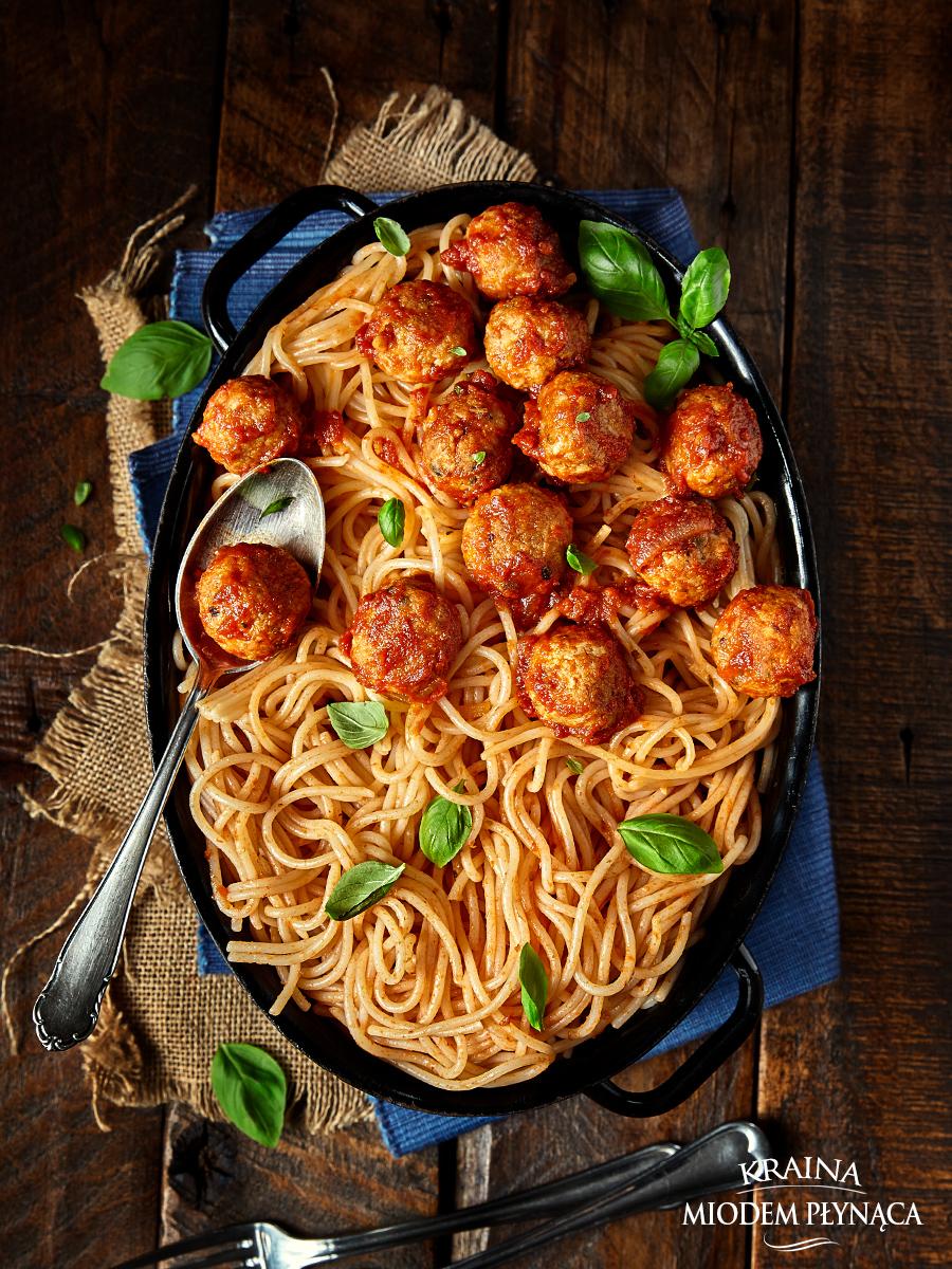 klopsiki w sosie pomidorowym, pulpeciki w sosie pomidorowym, klopsiki z indyka, pulpety z indyka, sos pomidorowy do mięsa, danie dla dzieci, kraina miodem płynąca