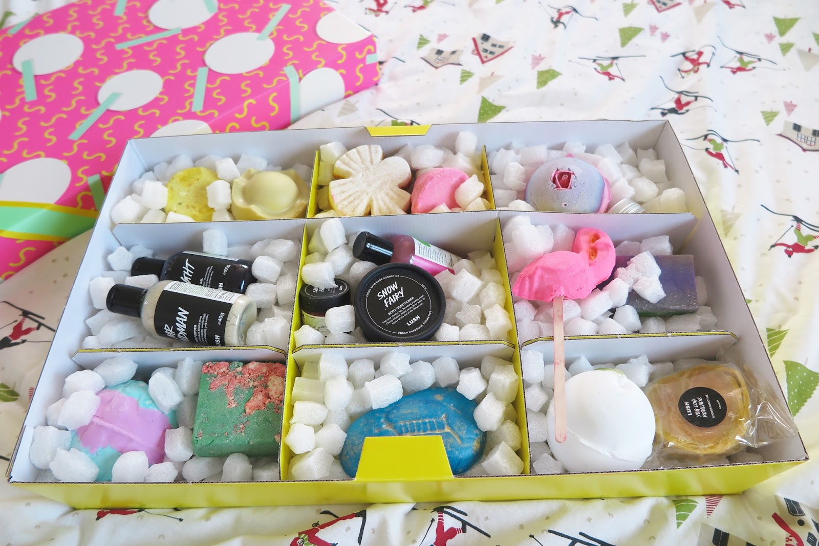 Sophie Jade : My HUGE Lush Cosmetics gift set
