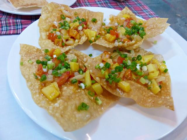 Crispy wonton dumplings Hoi An style