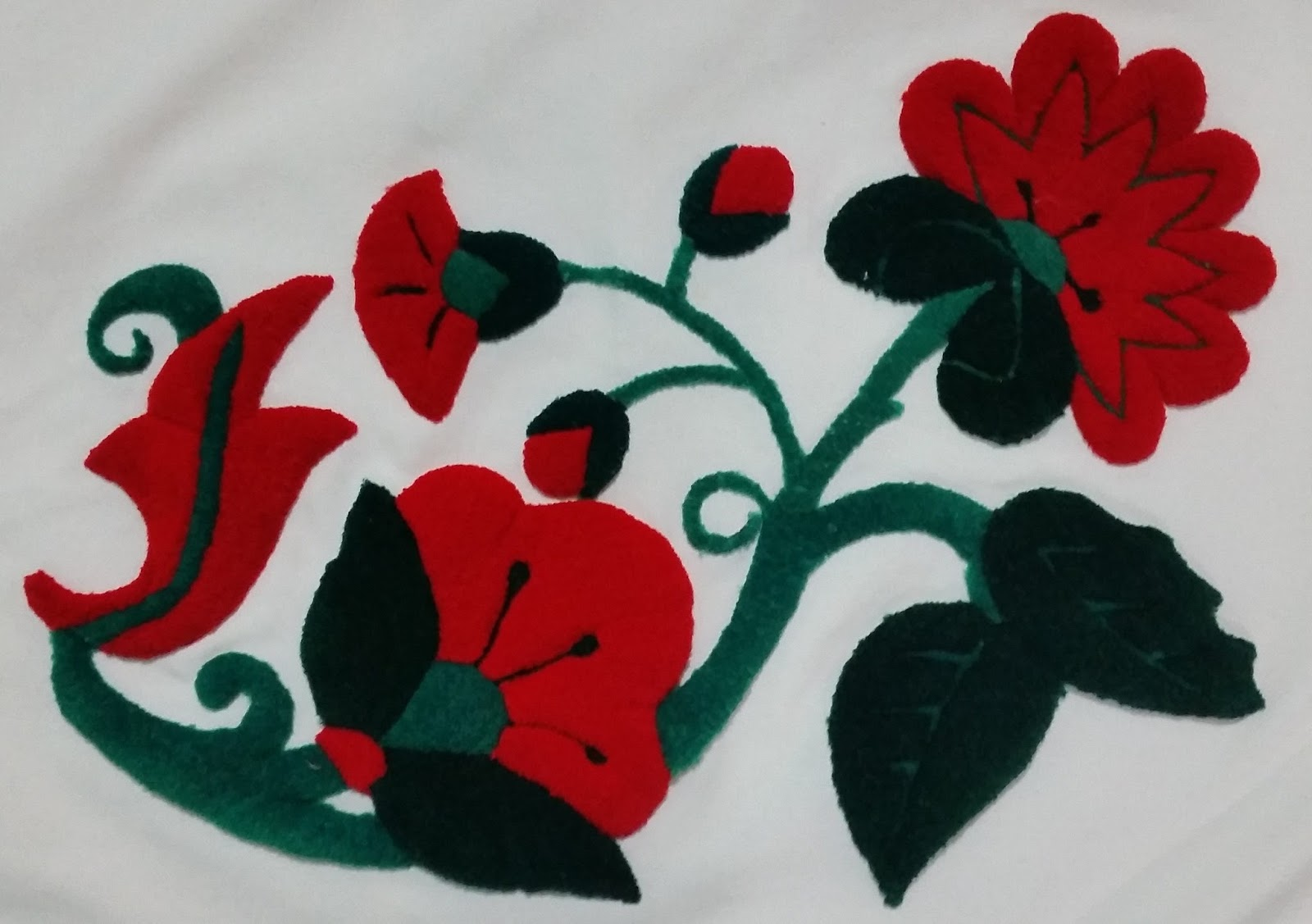 Creaciones cail flores bordados en alto relieve con sus respectivos jpg  1600x1127 Bordado de flores alto e5ee0af0eb5