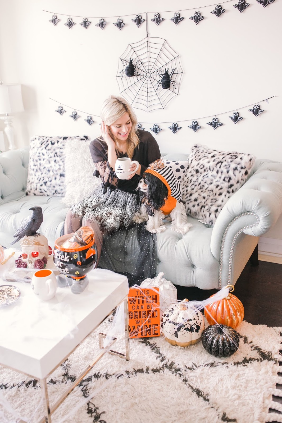 Bijuleni - How to Decorate Your Living Room for Halloween
