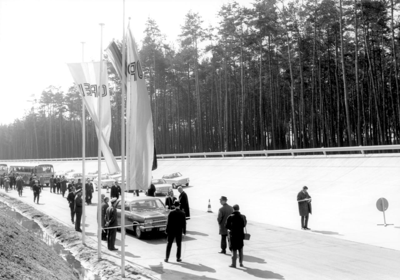 50 Χρόνια Dudenhofen: Η Ιστορία του Κέντρου Δοκιμών Opel