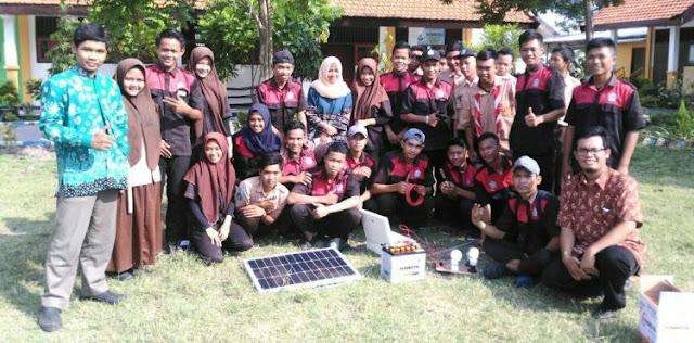 Workshop Pembangkit Listrik Tenaga Surya (PLTS) di SMK Negeri 1 Jabon Sidoarjo