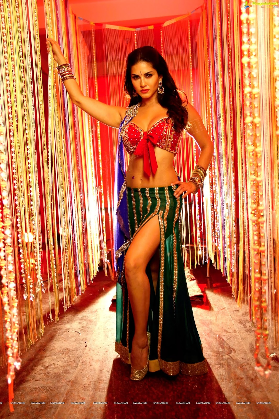 Sunny Leone Sexy 4K Wallpapers  Fun Point Info- All -3290