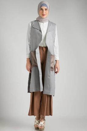 Inspirasi Padu Padan Outer Muslim Untuk Kegiatan Sehari Hari Model