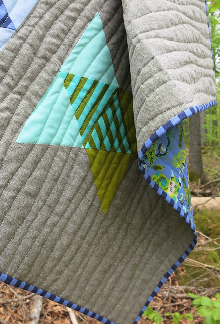 Luna Lovequilts - Baby quilt - Quilting detail