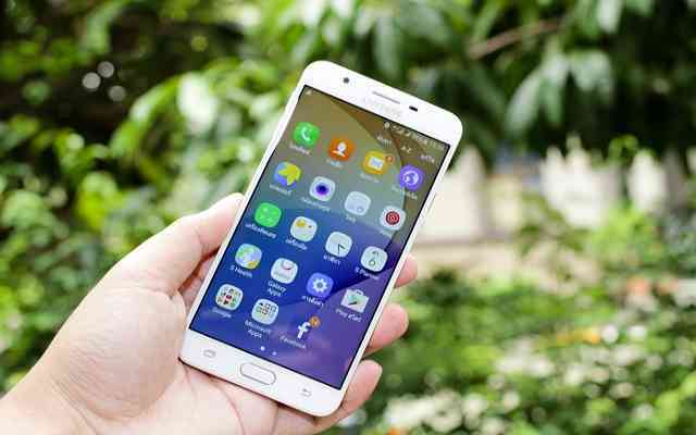 Custom UI स्मार्टफोन के ऑपरेटिंग सिस्टम में कस्टम यूआई क्या होता है?-