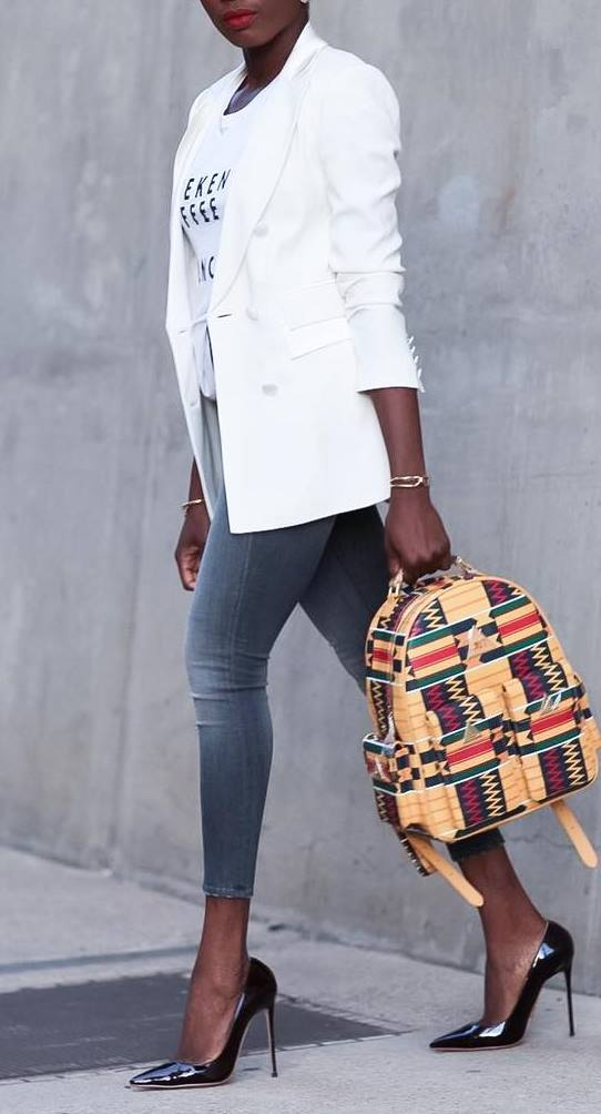 casual office style / white blazer + tee + skinny jeans + printed bag + heels