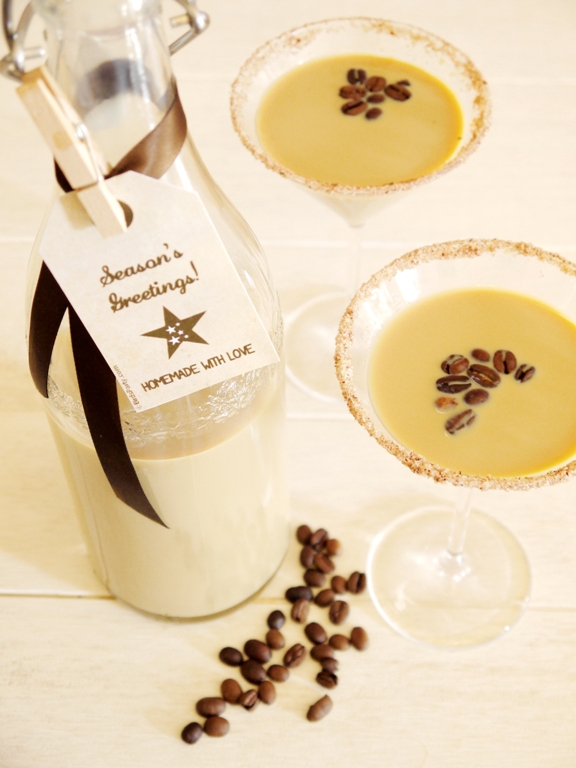 DIY Homemade Irish Cream Christmas Gift - BirdsParty.com