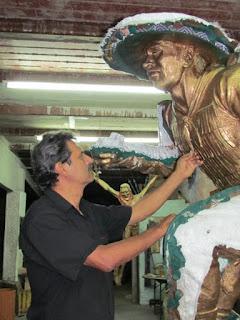 Escultor Javier Silva