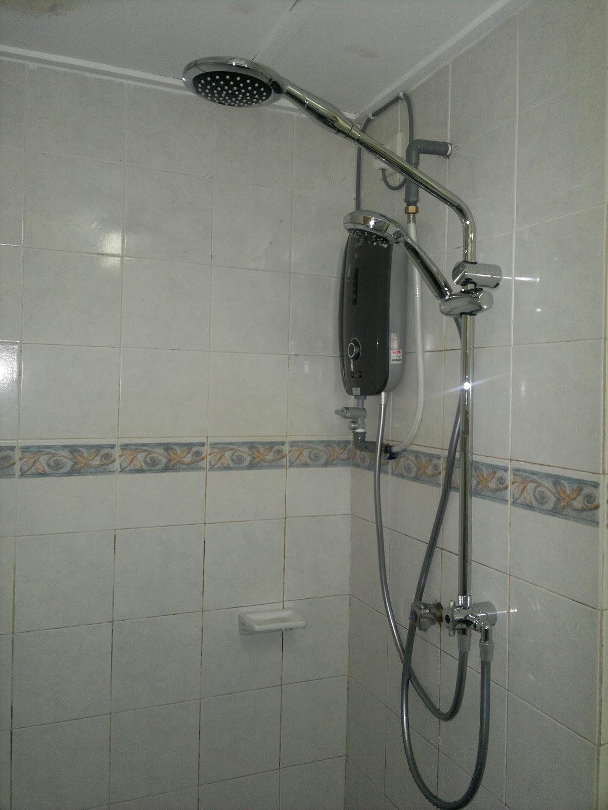 Pemasangan Shower Water Heater Drill Tebuk Lubang Skru