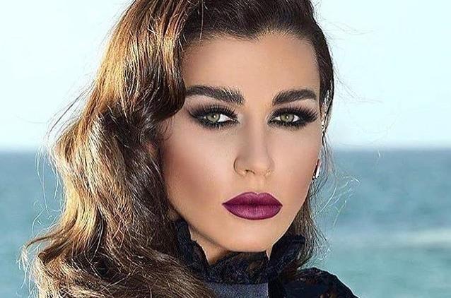 نادين الراسي تعلّق على فيديو كارين رزق الله ورودني حداد.. فيديو