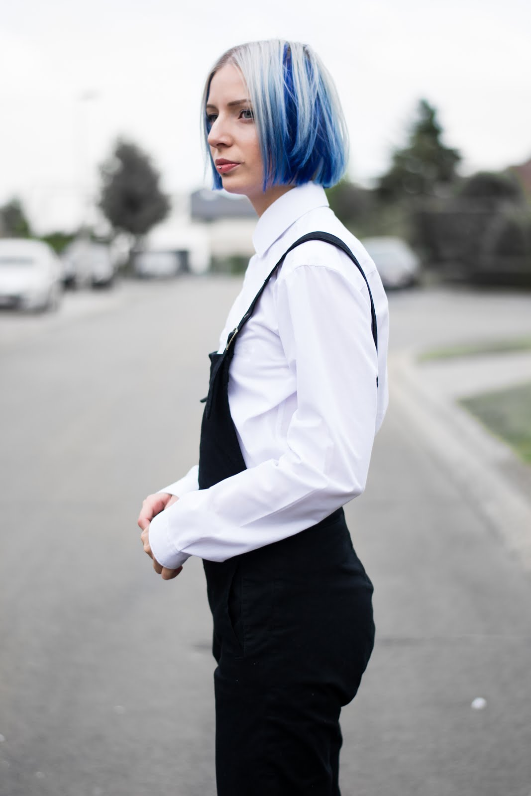 Black dungarees, asos, preppy styling, how to wear, blue hair, salopette, colorful hair, l'oreal