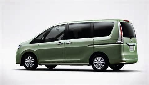 Mobil Nissan Serena