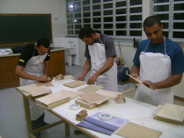 curso de pintura de móveis