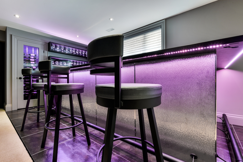 Modern bar in etobicoke