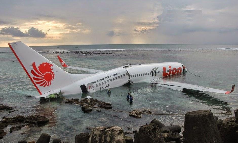 Foto Lengkap Pesawat Lion Air Yang Jatuh Ke Laut | Aspal Putih