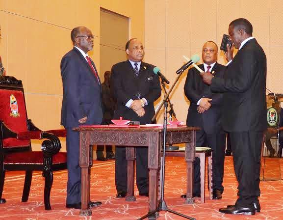Taarifa: Rais Magufuli Awaapisha Wakuu wa Mikoa Watatu Aliowateua