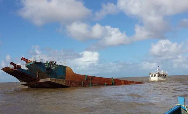Se hundió un buque que traía arroz para matarnos el hambre